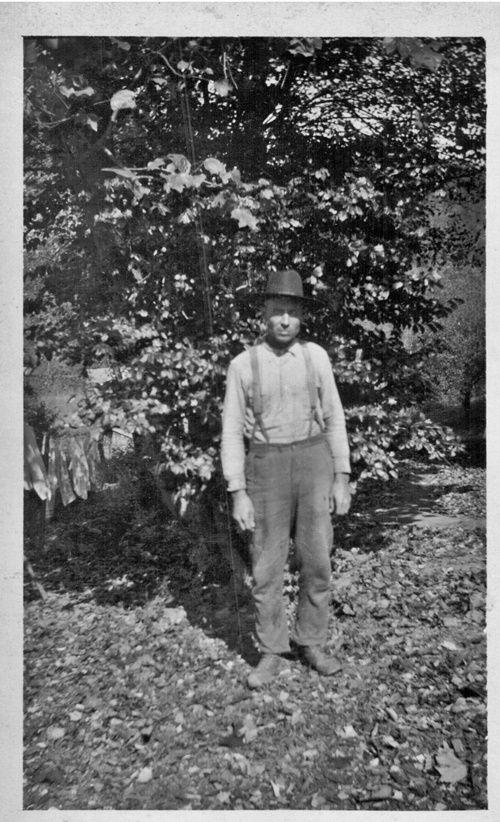 Grandpa-Joe-Casada---maybe-at-Cripple-Creek-home